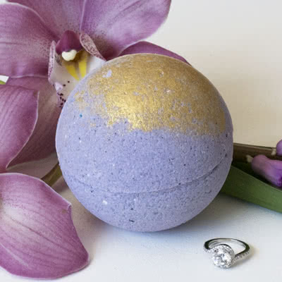 Spring Tulips Ring Bath Bomb pack of 1 Pearl Bath Bombs